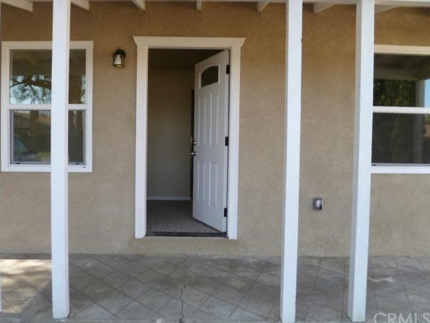 Closed | 8744 Tamarind Avenue Fontana, CA 92335 1