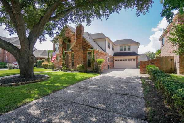Property for Rent | 1019 Fleetwood Place Drive  Houston, Texas 77079 3