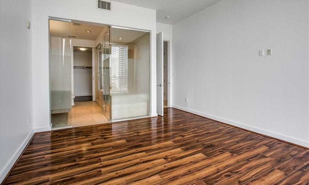 Active | 2900 McKinnon Street #1004 Dallas, TX 75201 10