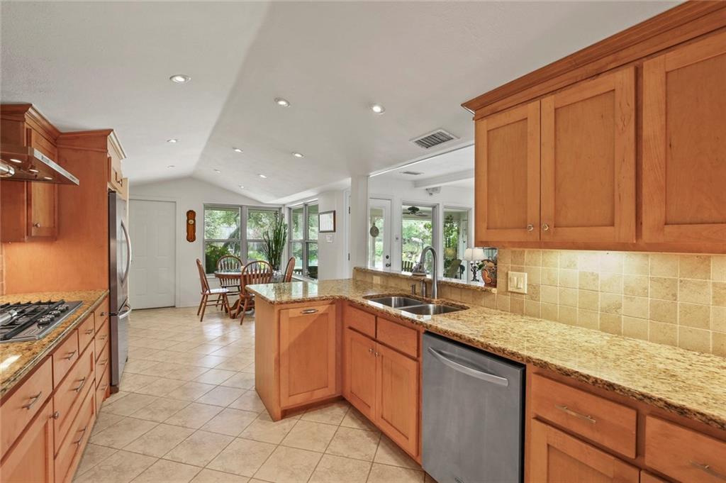 Dallas Real Estate | 7629 Tanglecrest Drive Dallas, Texas 75254 14