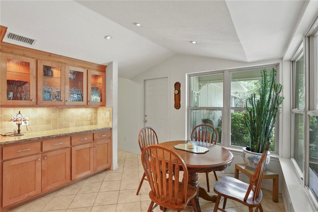 Dallas Real Estate | 7629 Tanglecrest Drive Dallas, Texas 75254 15