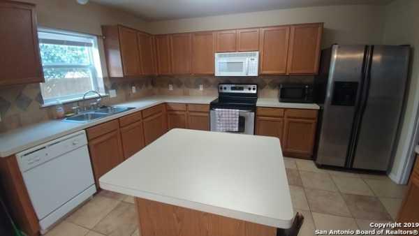 Property for Rent   10331 Goldcrest Mill  San Antonio, TX 78239 2