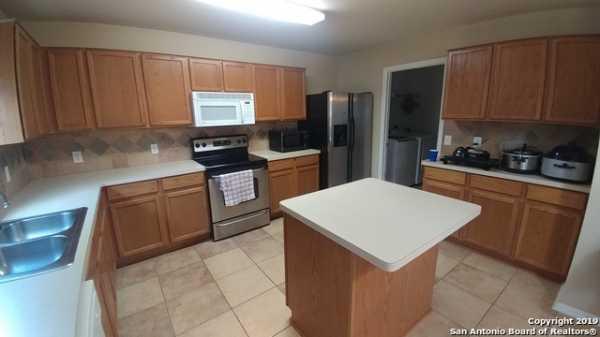 Property for Rent   10331 Goldcrest Mill  San Antonio, TX 78239 3