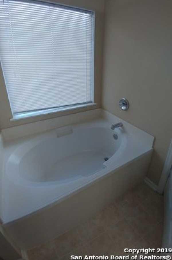 Property for Rent   10331 Goldcrest Mill  San Antonio, TX 78239 10