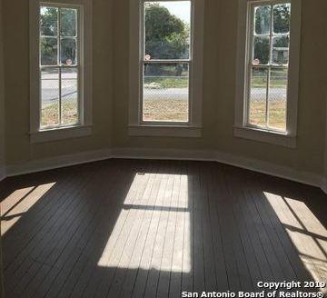 Property for Rent | 1003 PIEDMONT AVE  San Antonio, TX 78210 2