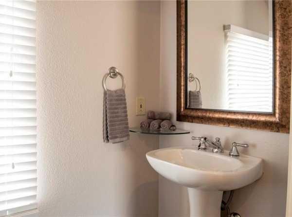 Property for Rent | 4140 Travis Street Dallas, Texas 75204 19