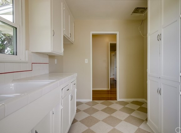 Closed | 360 Vine Avenue Upland, CA 91786 16