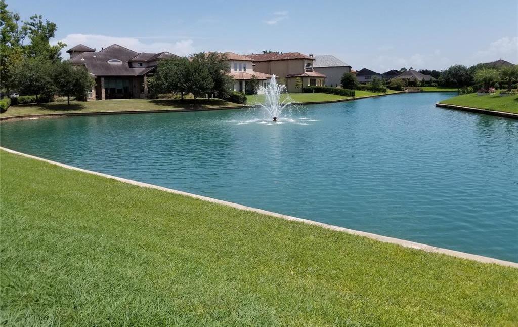 Active   22 Castle Terrace Lane Richmond, TX 77469 5