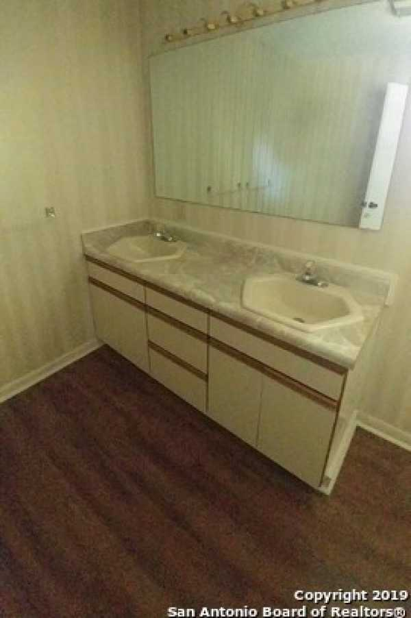 Property for Rent   25327 TRIANGLE LOOP  San Antonio, TX 78255 4