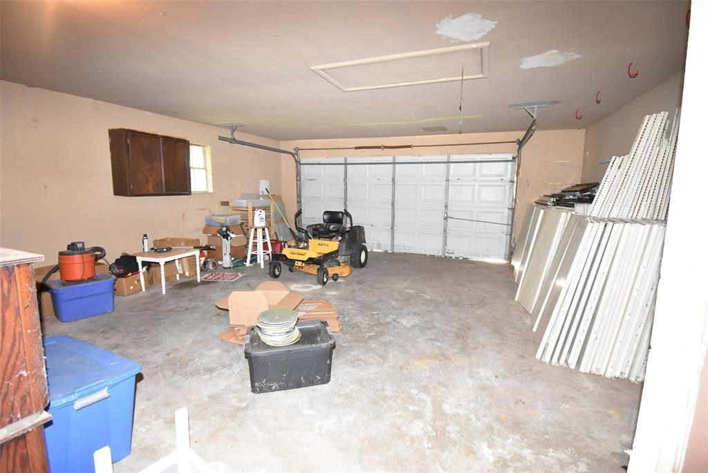 Active | 44 Navidad Street Bay City, TX 77414 25