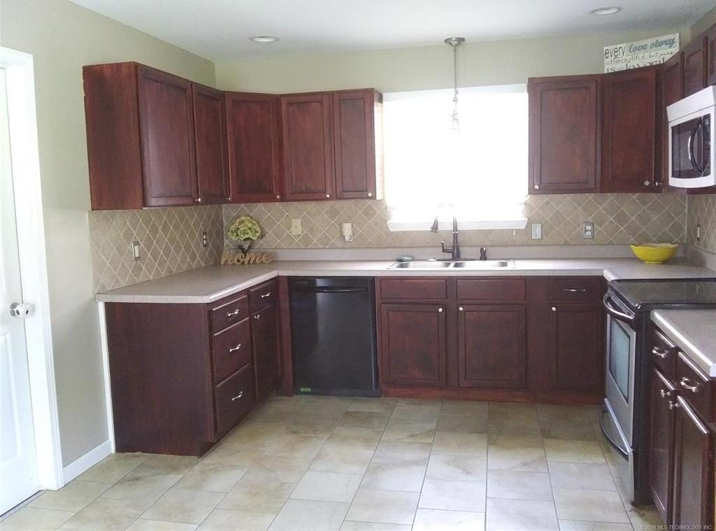 Homes for Sale in Mannford, OK Area | 42469 W 51st Street Jennings, OK 74038 6