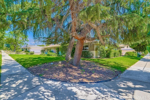 Active Under Contract | 1304 N 2nd Avenue Upland, CA 91786 3