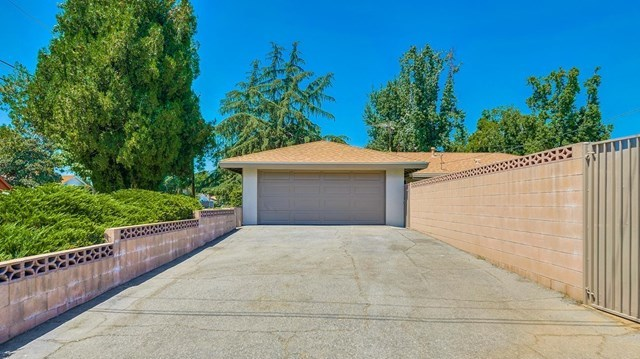 Closed | 1304 N 2nd Avenue Upland, CA 91786 36