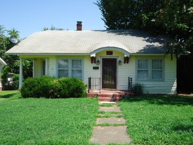 #homesforsaleponcacity #century21groupone #poncacityrealestate | 923 S 8th St.  Ponca City, OK 74601 29