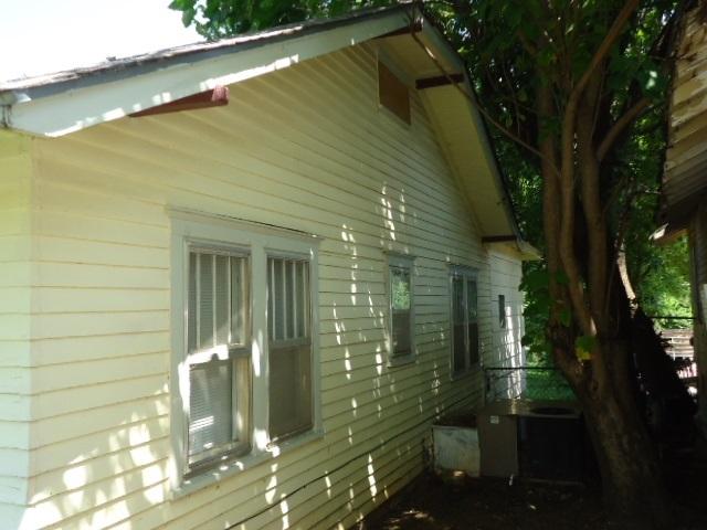 #homesforsaleponcacity #century21groupone #poncacityrealestate | 923 S 8th St.  Ponca City, OK 74601 5