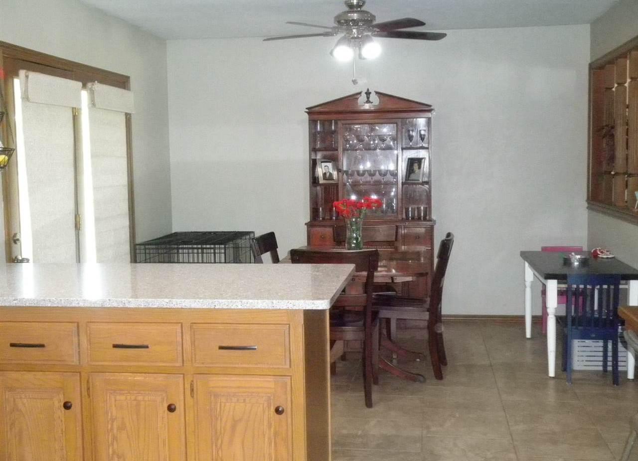 #century21groupone, #homesforsaleponcacity, #poncacityrealestate | 2600 Summerfield Ponca City, OK 74604 16