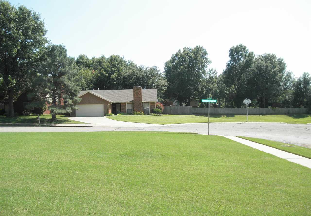#century21groupone, #homesforsaleponcacity, #poncacityrealestate | 2600 Summerfield Ponca City, OK 74604 29