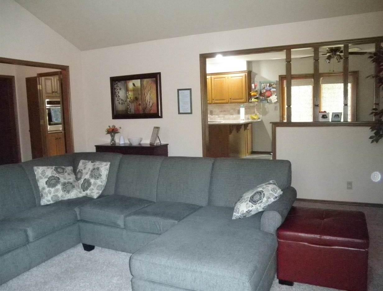 #century21groupone, #homesforsaleponcacity, #poncacityrealestate | 2600 Summerfield Ponca City, OK 74604 7