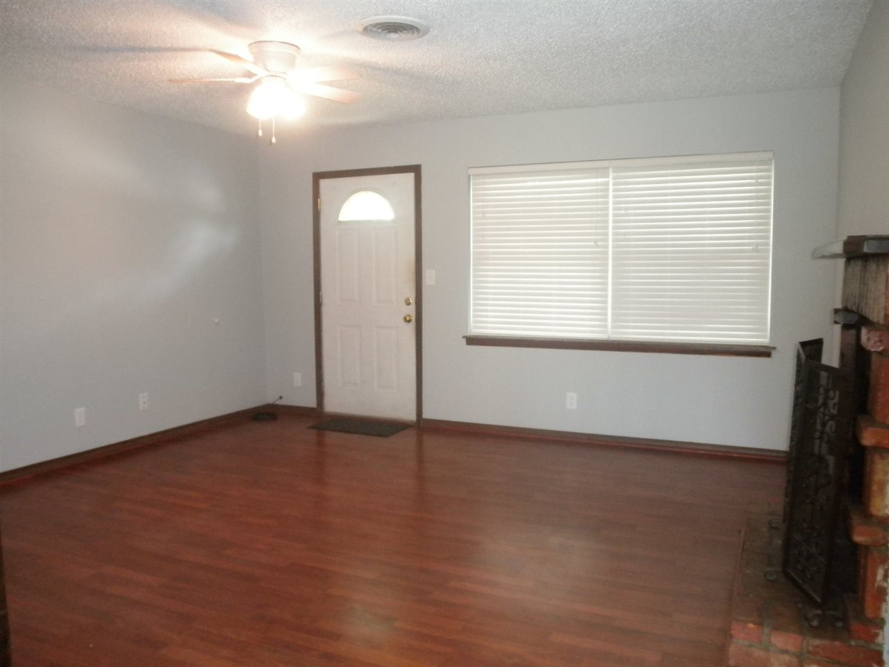 Sold Intraoffice W/MLS | 1209 N Ash Ponca City, OK 74601 2