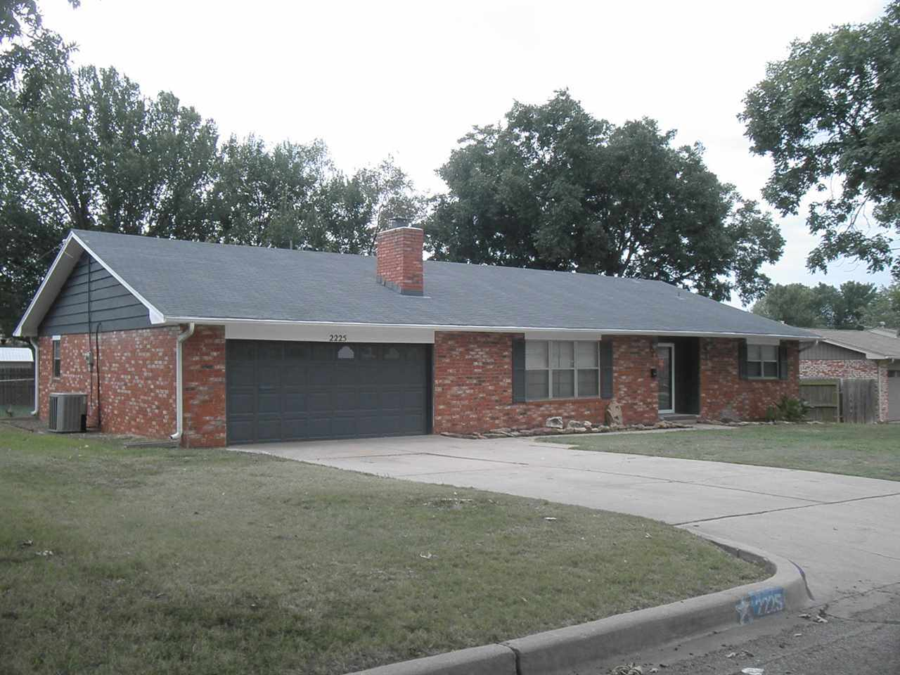 Sold Cross Sale W/ MLS | 2225 Garden Ponca City, OK 74601 1