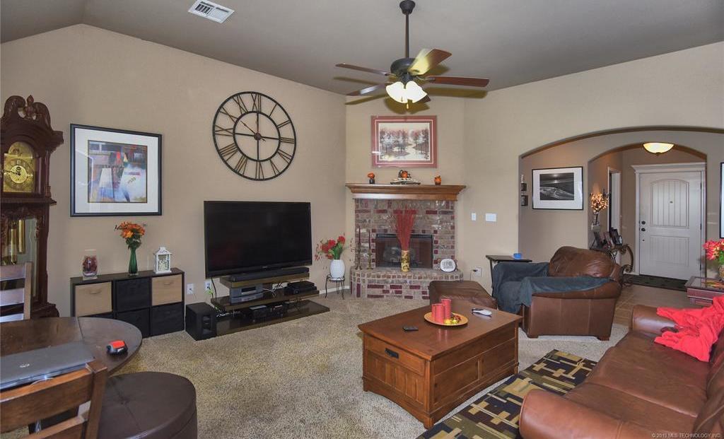Active | 8409 N 77th East Avenue Owasso, Oklahoma 74055 2