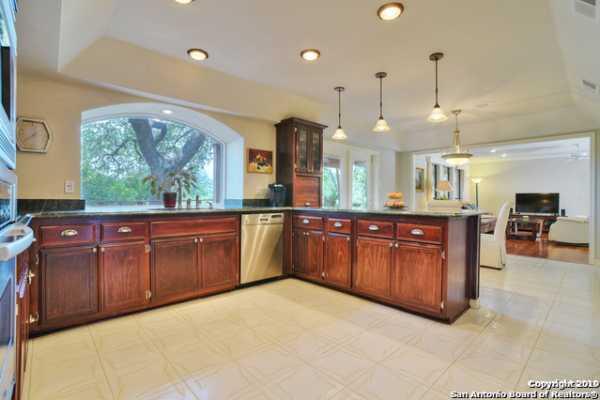 Property for Rent | 206 BLUFFCREST  San Antonio, TX 78216 8