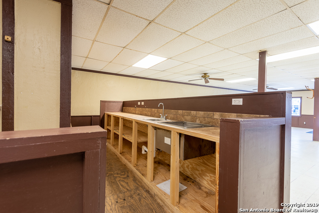 Commercial Property  | 114 S TEEL DR  Devine, TX 78016 12