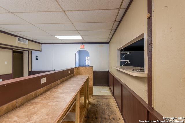 Commercial Property  | 114 S TEEL DR Devine, TX 78016 13