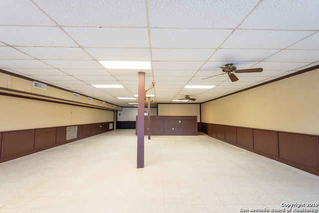Commercial Property  | 114 S TEEL DR  Devine, TX 78016 9