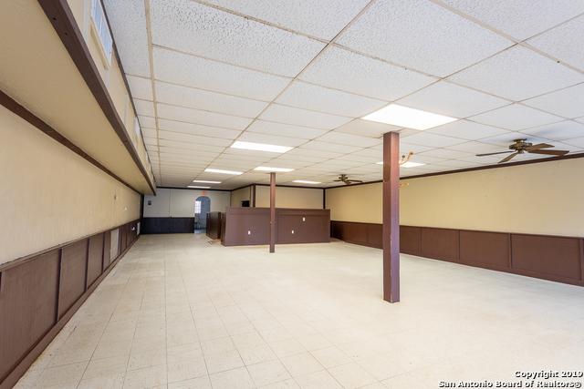 Commercial Property  | 114 S TEEL DR Devine, TX 78016 10