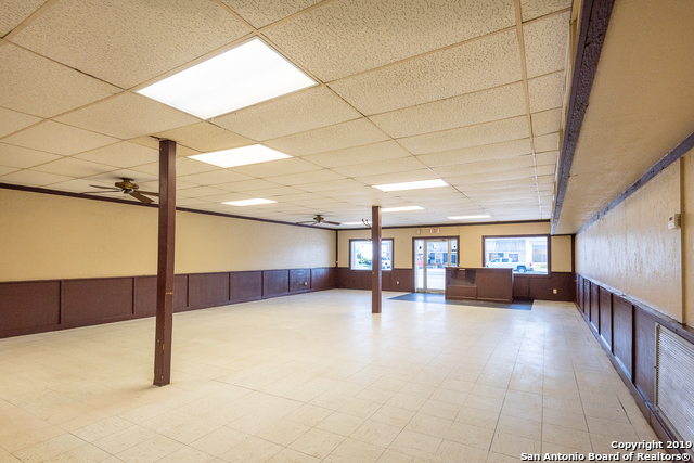 Commercial Property  | 114 S TEEL DR Devine, TX 78016 11