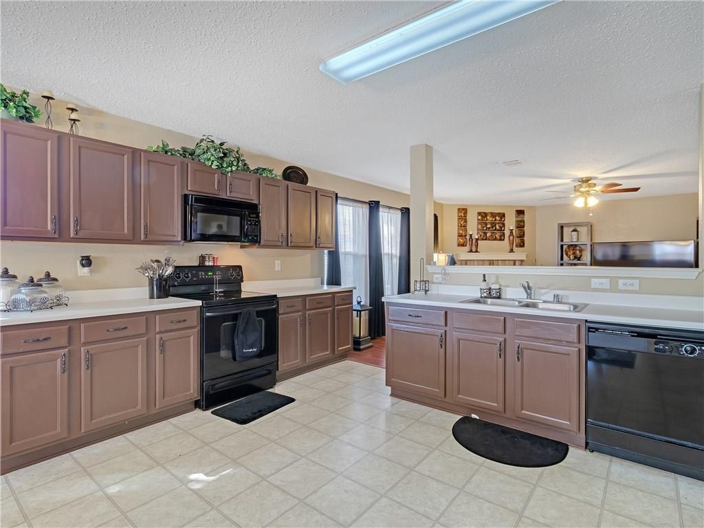 Sold Property | 6039 Susanna Drive Grand Prairie, TX 75052 14