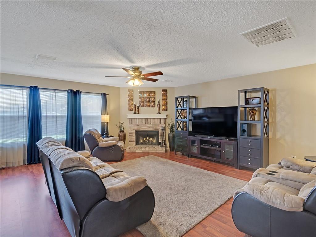 Sold Property | 6039 Susanna Drive Grand Prairie, TX 75052 9