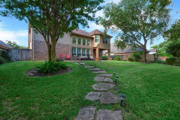 Active | 9510 Bayou Lake Lane Houston, Texas 77040 30