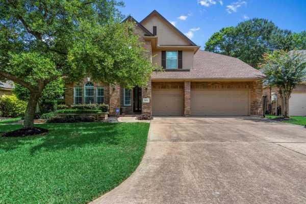 Active | 9510 Bayou Lake Lane Houston, Texas 77040 4
