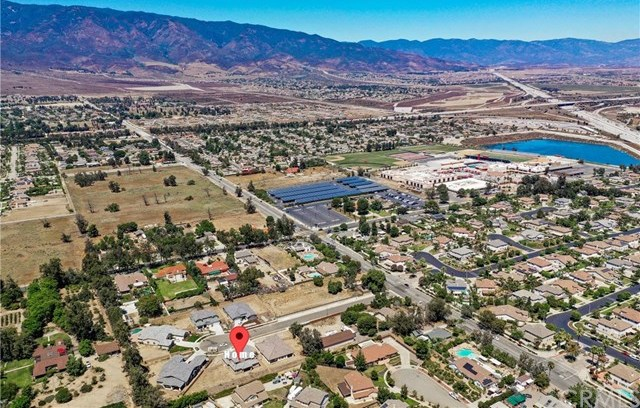 Pending | 13225 Owens Court Rancho Cucamonga, CA 91739 2