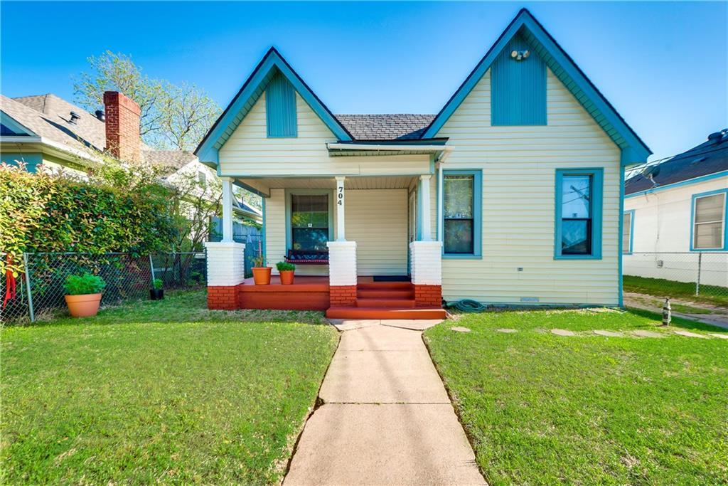 Sold Property | 704 W 8th Street Dallas, Texas 75208 2
