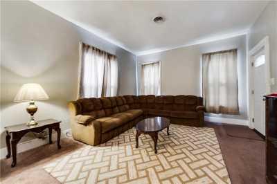 Sold Property | 704 W 8th Street Dallas, Texas 75208 3