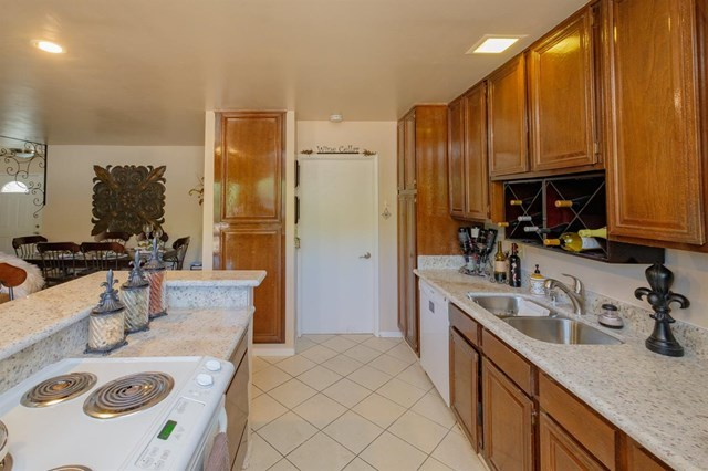 Closed | 12841 Spring Valley Parkway Victorville, CA 92395 10
