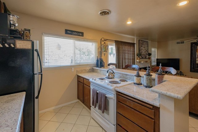 Closed | 12841 Spring Valley Parkway Victorville, CA 92395 13