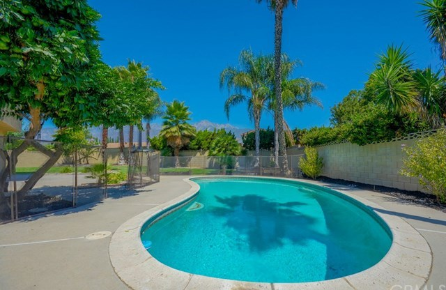 Closed | 6953 Verdet Court Rancho Cucamonga, CA 91701 48
