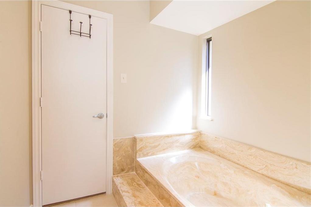 Sold Property | 8927 Maple Glen Drive Dallas, Texas 75231 27