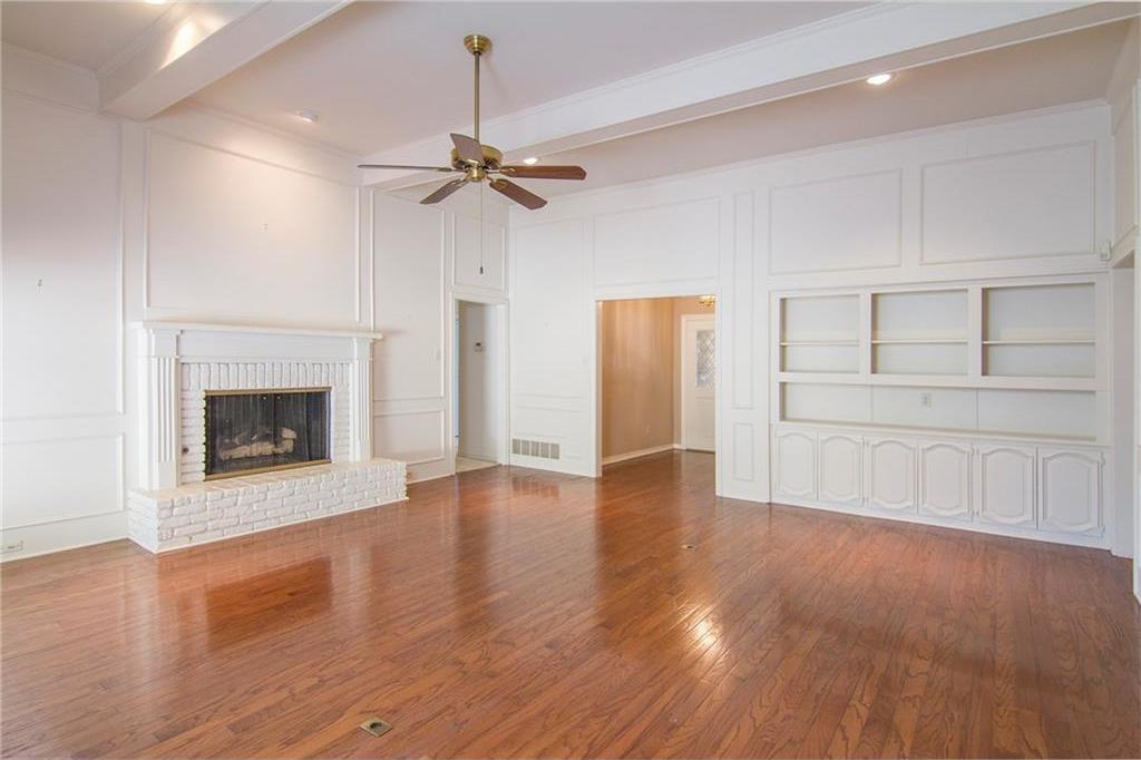 Sold Property | 8927 Maple Glen Drive Dallas, Texas 75231 4