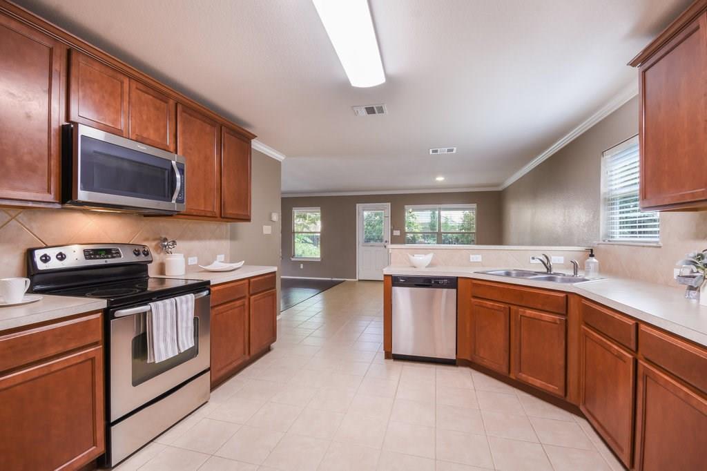 Sold Property | 113 Housefinch LOOP Leander, TX 78641 6