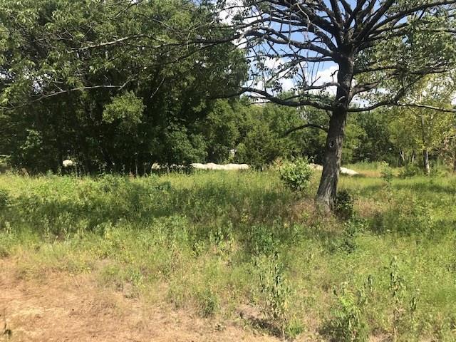 Active | 900 Cedarview Drive Cedar Hill, TX 75104 8