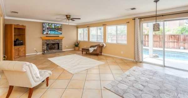 Active Under Contract   6546 Veneto Place Rancho Cucamonga, CA 91701 9