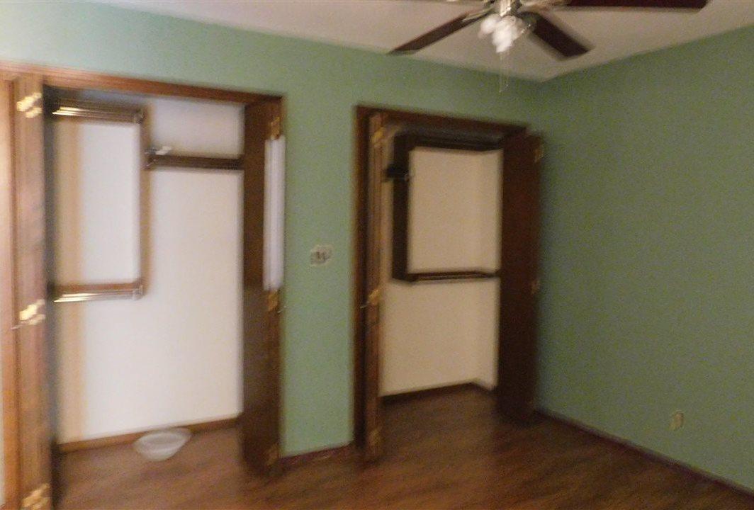 #poncacityrealestate, #century21groupone #homesforsaleponcacity | 305 Lansbrook Ponca City, OK 74601 8