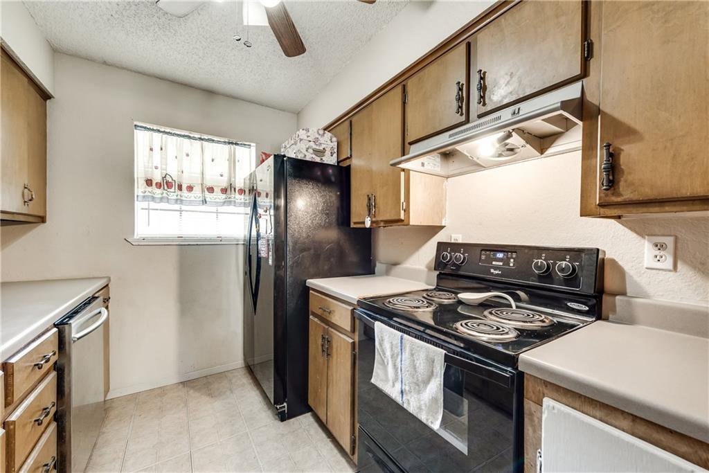 Sold Property   305 W Elm Street Howe, Texas 75459 3