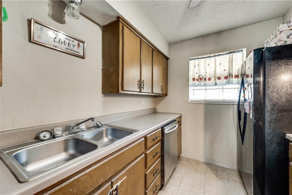 Sold Property   305 W Elm Street Howe, Texas 75459 4