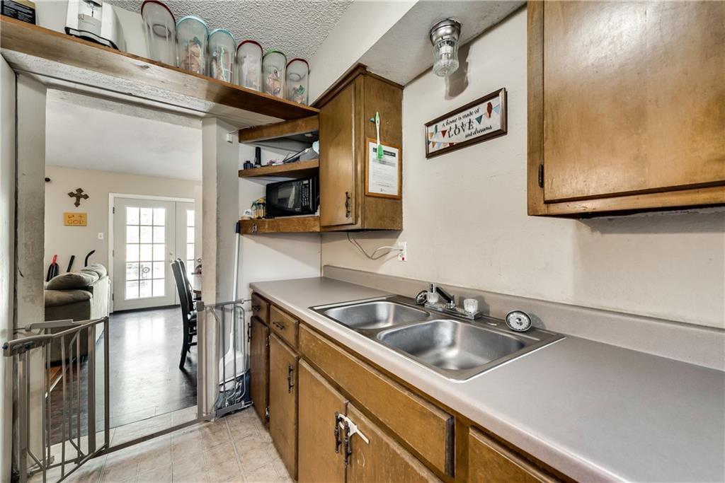 Sold Property   305 W Elm Street Howe, Texas 75459 5